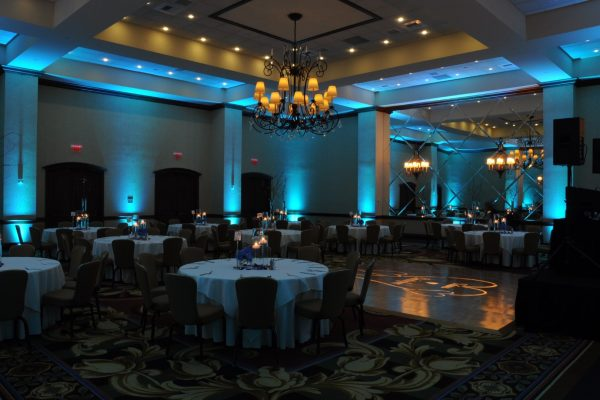 Blue-uplighting-Gaylord-Texan-Grapevine