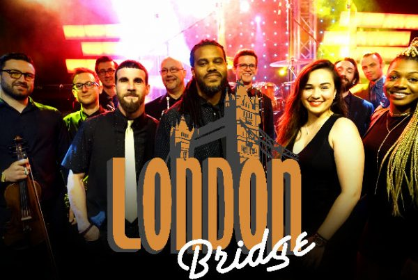 London Bridge | Awesome Philadelphia Wedding Band